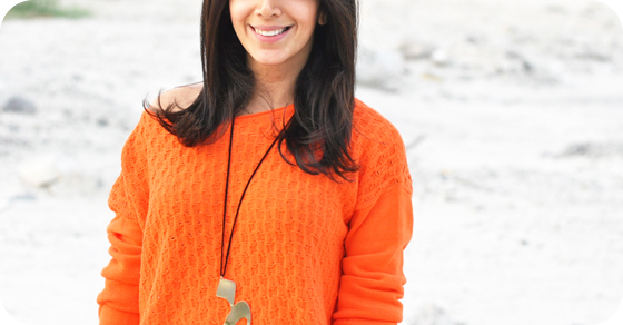 Lyla_Loves_Fashion_Gap_Orange_sweater_feature